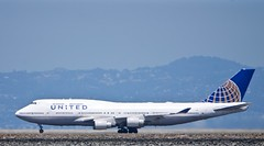 United Airlines Boeing 747-400 rolling for takeoff, SFO runway 28L DSC_0490 (1)