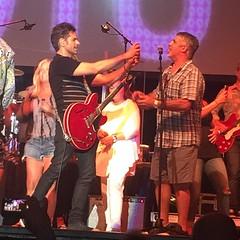 @johnstamos performing with @thebeachboys  and @getalyftcode