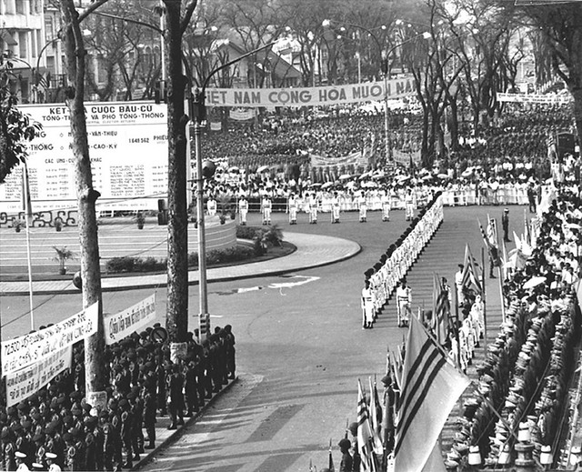 SAIGON  31-10-1967  ---  Lễ nhậm chức Nhiệm kỳ 1 (1967-1971) của TT Nguyễn Văn Thiệu tại Công trường Lam Sơn