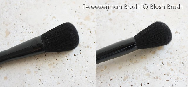 Tweezerman Brush iQ blush brush review