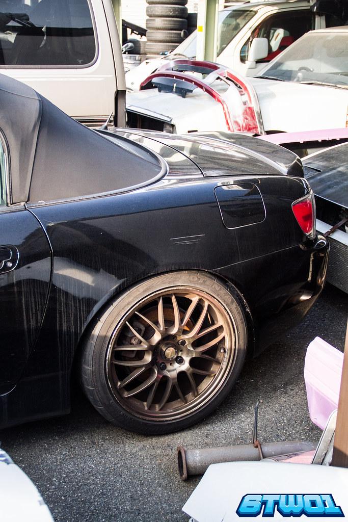 back half of black car