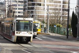 MAX Bus Streetcar