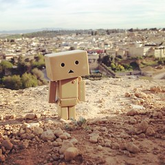 Yay #Danbo also made it over the cliff without complaining but he doesn't look happy at all. :joy: Forever wondering. #toy #travel #yotsuba #fes #Morocco #danboard