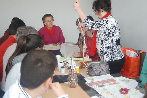 AionSur: Noticias de Sevilla, sus Comarcas y Andalucía 16873537201_ee5e47bf4d_d Jóvenes y mayores de Arahal comparten una mañana aprendiendo juntos Educación