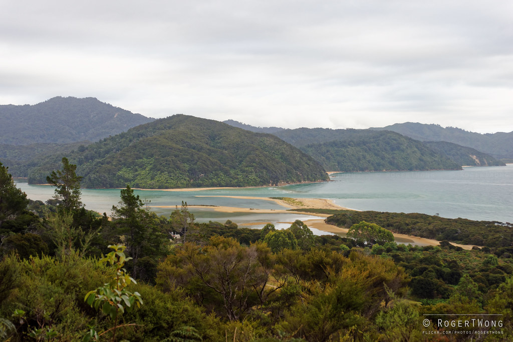 20150320-09-Awaroa inlet above the lodge
