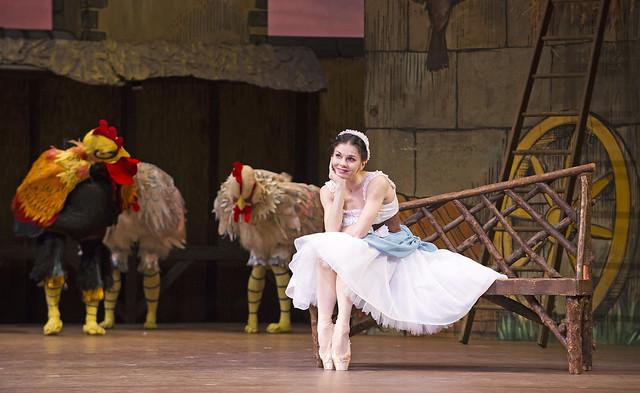 Natalia Osipova in La Fille mal gardée ©ROH. Tristram Kenton, 2015