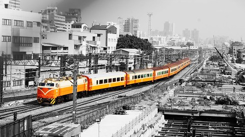 E233莒光號 高雄車站