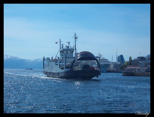 Fiordos noruegos Trondheim Vinjef Valsoy Halsa Molde Alesund - Nuestro ferry en Molde