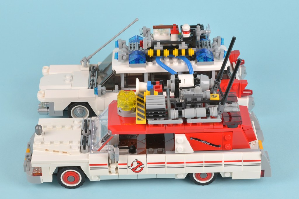 75828 Ghostbusters Ecto1 and 2