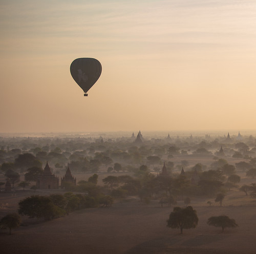 dan sunrise flying ruins burma buddhist balloon buddhism temples hotairballoon myanmar pagodas bagan longshadows flighttravel baganarchaeologicalzone