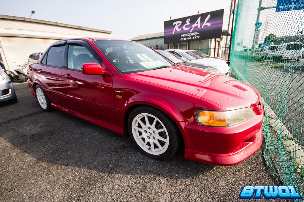 shiney red car