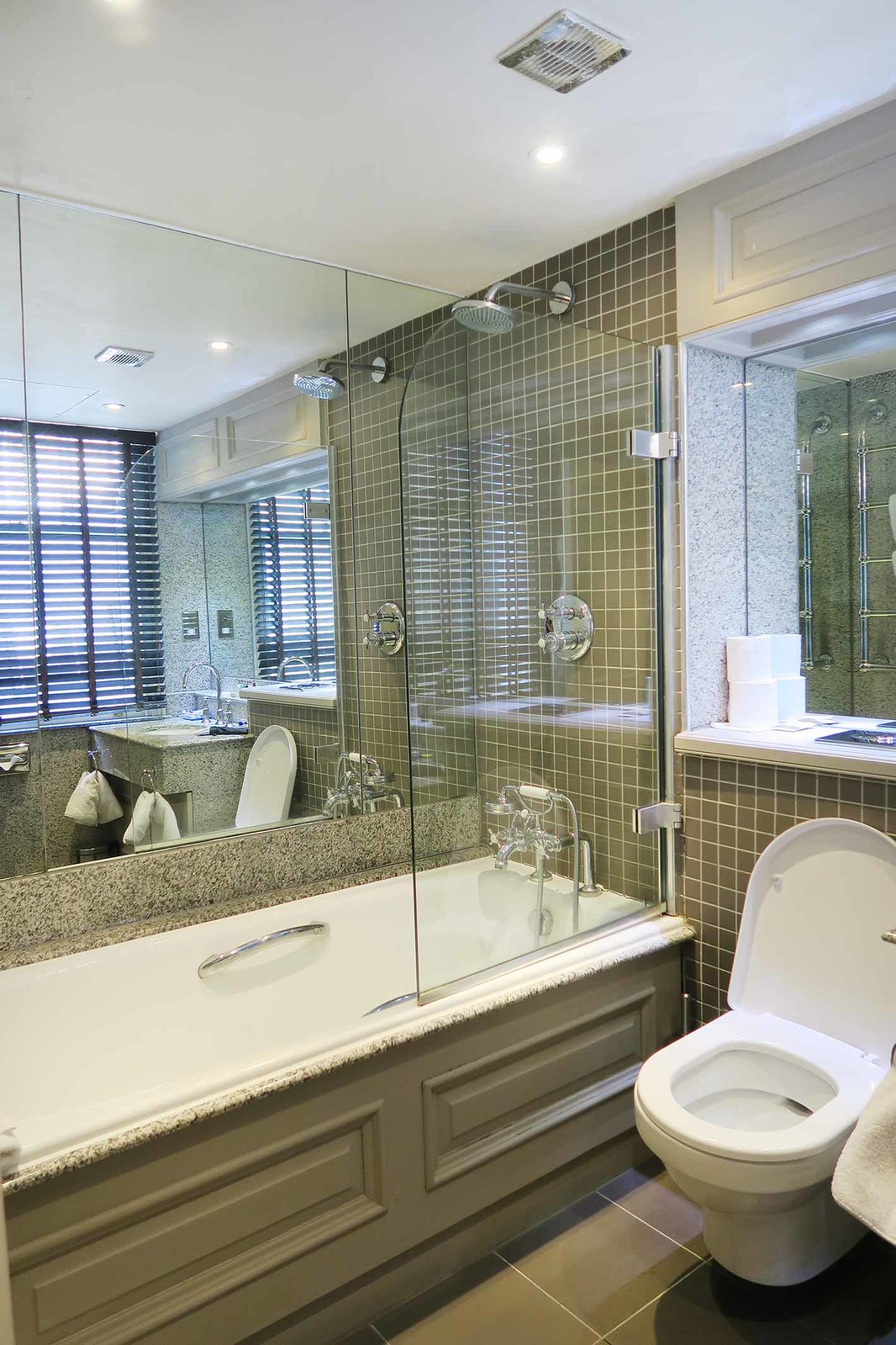 the-fox-club-london-mayfair-hotel-in-green-park-near-the-ritz-executive-suite-ensuite
