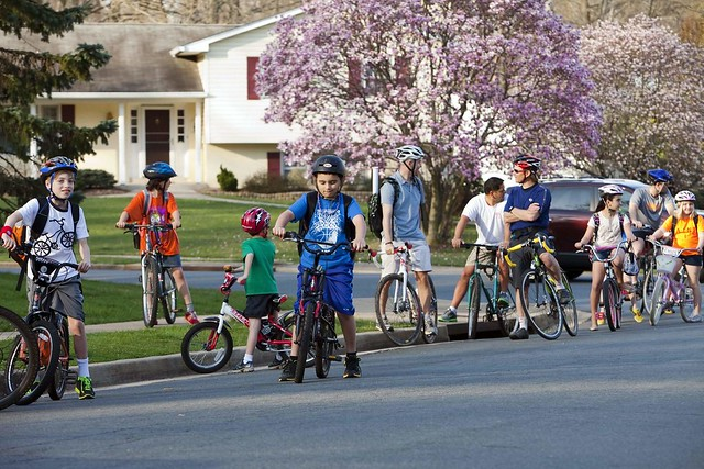 Oakton Glen neighborhood, Fairfax County, VIrginia, bike to school