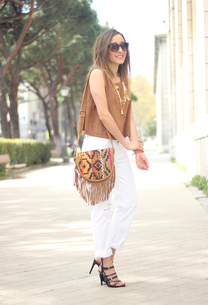 suede top suiteblanco white boyfriend jeans zara fringed purse dayaday 08
