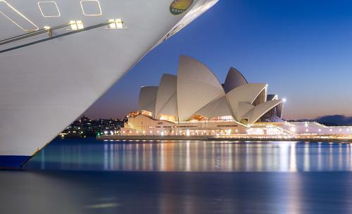 blue reflection water dawn twilight ship harbour sydney bluehour sydneyoperahouse