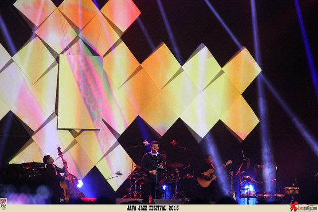Java Jazz Festival 2015 Day 2 - Tulus (2)