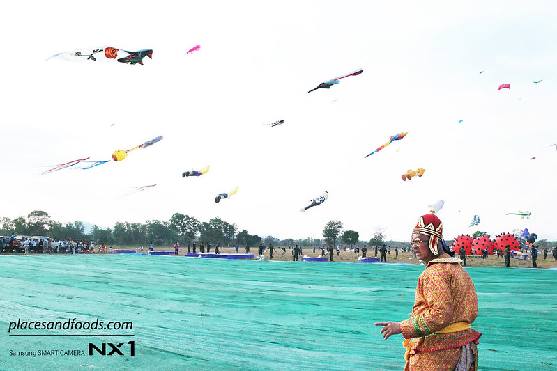 satun kite festival thai guy