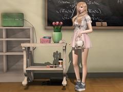 School's Sweety