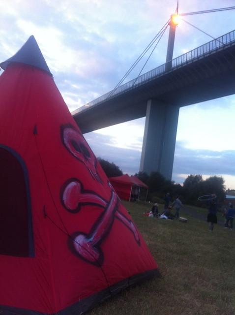 Pyro's Doof Under Hoddle Bridge