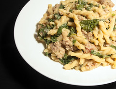 One Pot Pasta with Sausage, Kale and White Beans 1