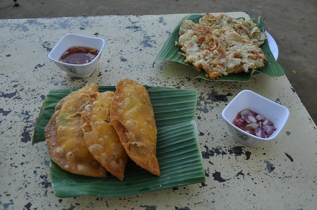 Vigan empanada and okoy