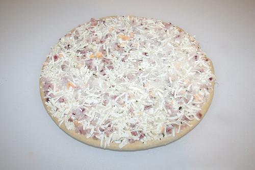04 - Pizza gefroren ausgepackt / Pizza frozen unwrapped