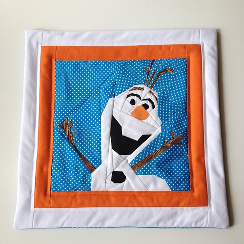 Today I can finally share my gift for my nephew 😍 He's a huge Olaf fan so I made this cushion for him, loved seeing his sparkling eyes #frozenolaf #frozen #fqsmarchminis #makeitcraftyMarch