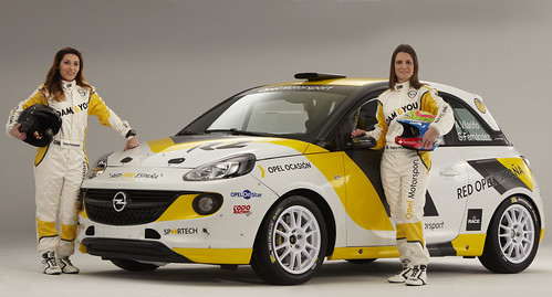 Vilariño Fernandez Opel Adam R2 2015