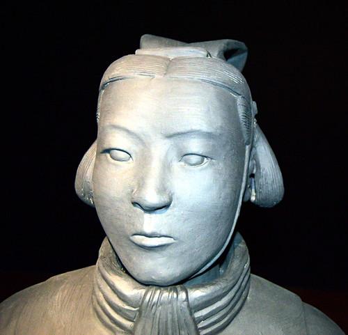 Mujer de Terracota, an exhibition by Marian Heyerdahl