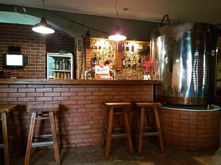 Cheshskaya Pivovarnaya craft beer bar
