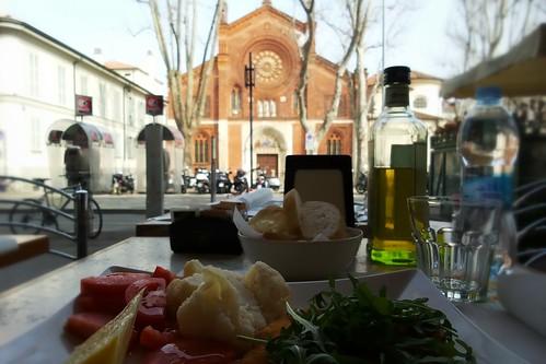 A pranzo con la chiesa San Marco by Ylbert Durishti