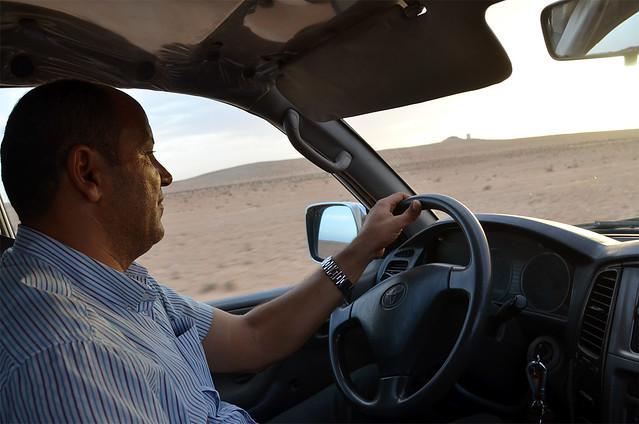 Nuestro conductor en Douz