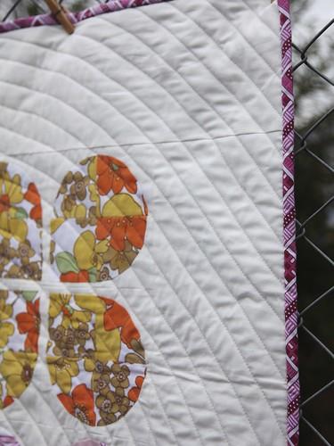 Retro Flowers quilt
