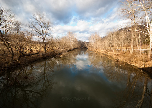 blue winter sky reflection tree water clouds landscape indiana d80 laugherycreek