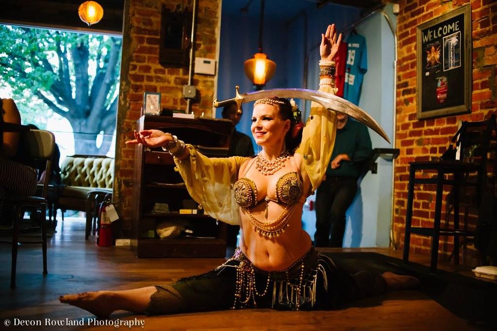 Samira Shuruk belly dance Bollywood