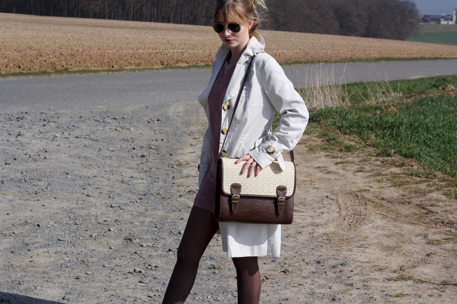 outfit-pink-blouse-coat-trench-blonde-satchel-bag-brown-lace