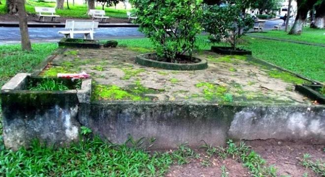 Kỳ bí ngôi mộ cổ trong Đại học Bách Khoa TP HCM