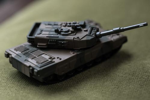 トミカプレミアム 90式戦車_06
