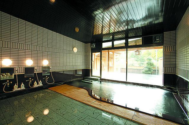 p57-58-元湯くらぶ -内湯