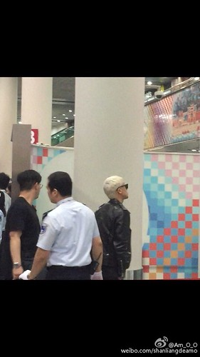 BIGBANG departure Macao to Seoul 2015-10-26 shanliangdeamo (2)