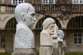 Viktor Kaplan の画像. statue österreich skulptur graz steiermark burg viktorkaplan josefthaddäusstammel
