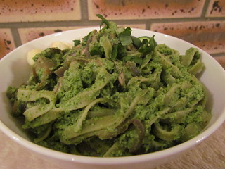 Spinach Linguine with Edamame Pesto