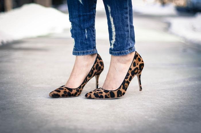 aviza style. andréa viza. fashion blogger. dc blogger. jcrew collection leopard calf hair heels. fashion. current elliott stiletto jeans. silk print cami. 1