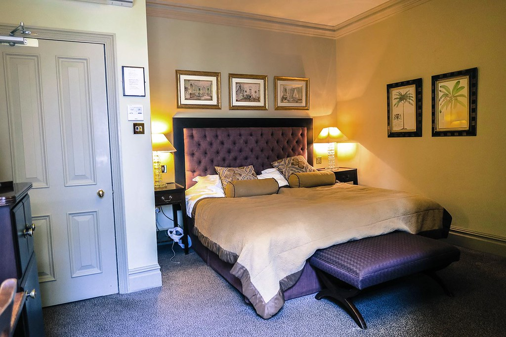 fox-club-hotel-in-mayfair-green-park-executive-suite-room