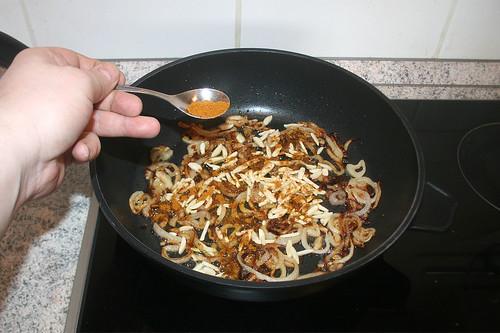 32 - Mit Curry bestäuben / Dredge with curry