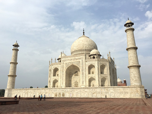 The Wondrous beauty of the Taj Mahal - Agra