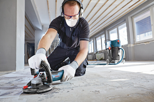 The Bosch CSG15 Surface Grinder uses maximum 12.5 amp, 9300 RPM power