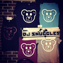 @itsDJSnuggles Merch Booth at the Triple Rock in Minneapolis where he's #HOSTING tonight's ECID album release party.   #amplifiedlife #snugglife