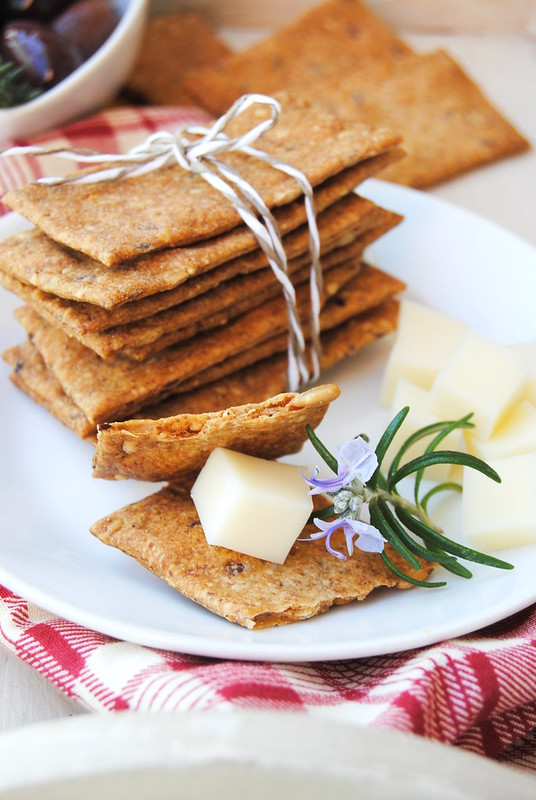 Whole grain crackers with mixed seeds