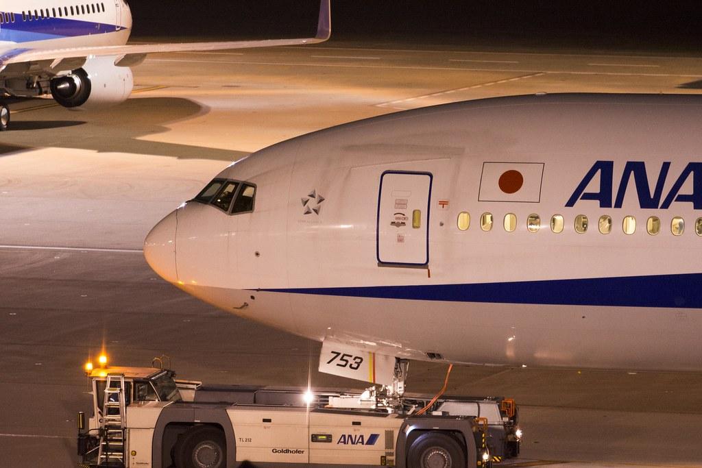 ANA JA753A - Boeing 777